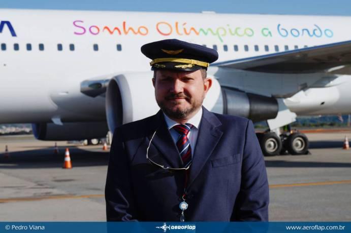 Comandante Ramon que conduziu o voo até Brasília.
