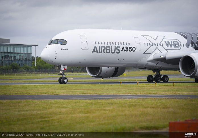 A350_XWB_Arrival_-_FIA_2016-014