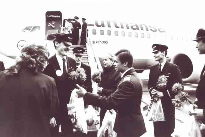 Primeiro voo do 737-300 na Lufthansa. Foto - Lufthansa News/Reprodução