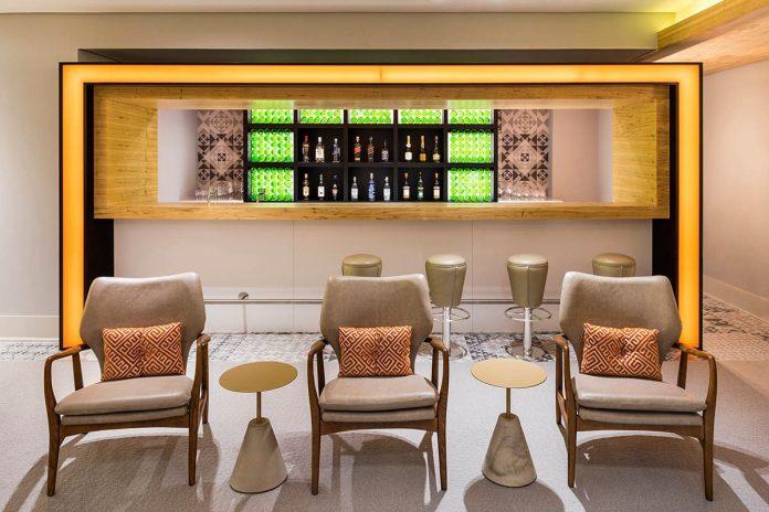 Bar no novo Lounge VIP da GOL. Foto - GOL/Divulgação