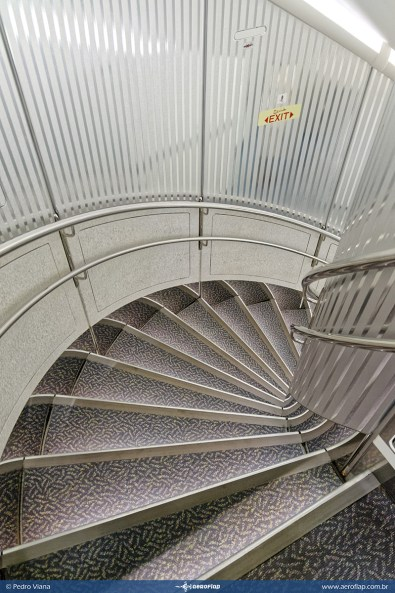 Escada da parte traseira do A380.