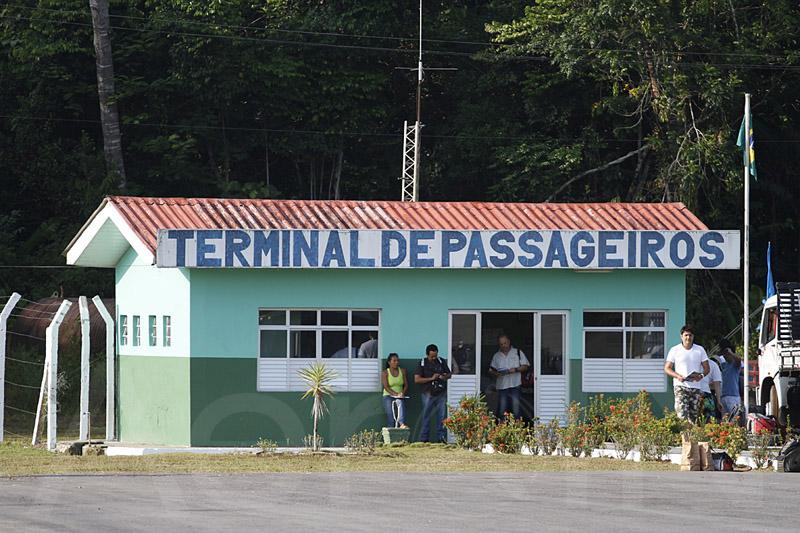 A foto do terminal de passageiros dispensa comentários.