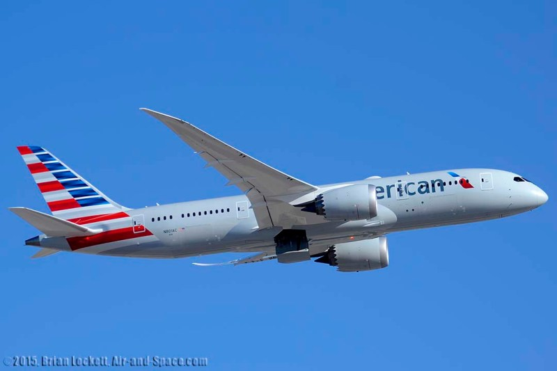 20150309 PHX_BL32365 787-823 N801AC American right side take-off l