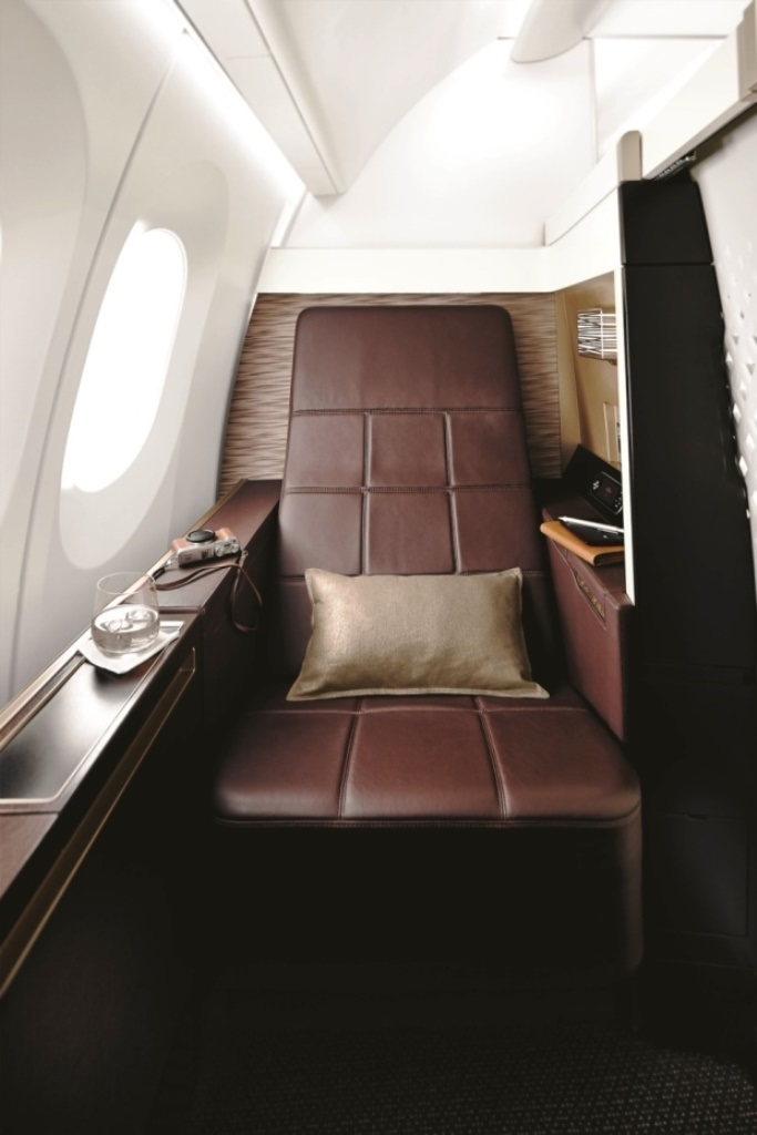 B787 FIRST SUITE