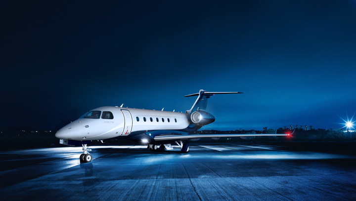 Embraer Legacy 500 Night