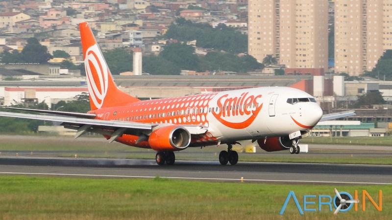Gol-Boeing-737-Smiles