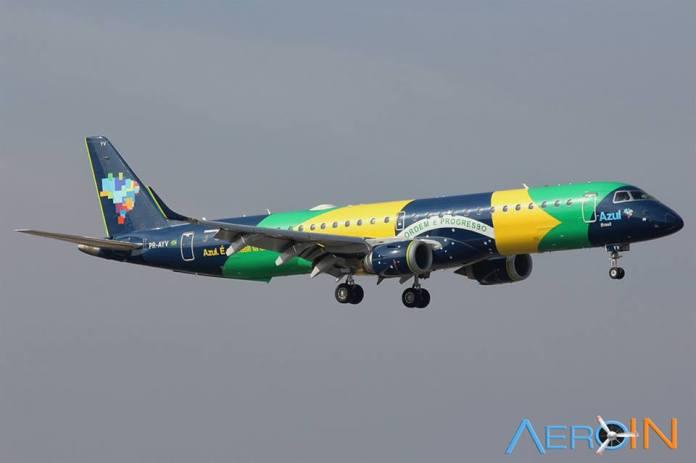 Avião Embraer 195 Azul Bandeira