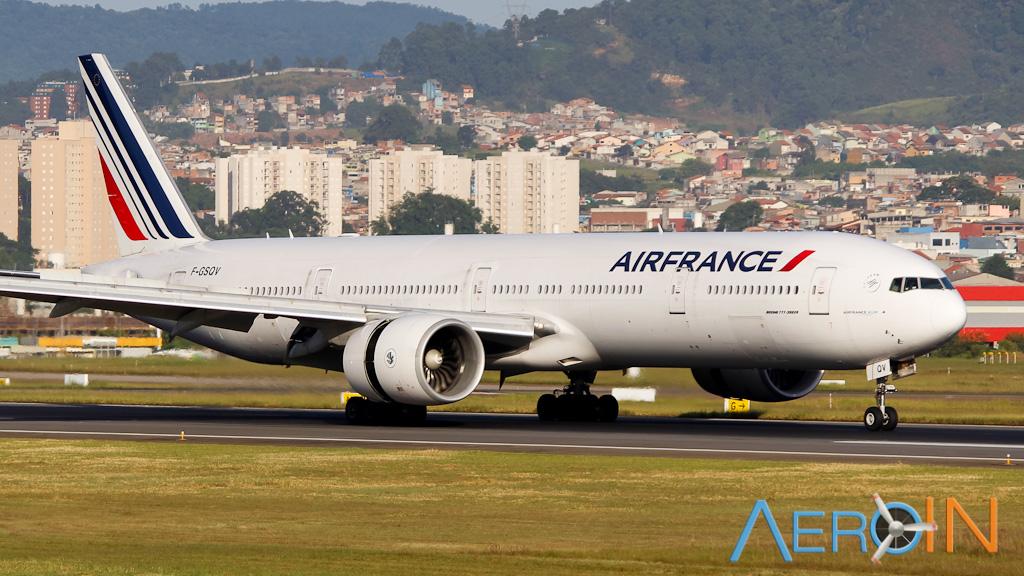 Comissárias de bordo da Air France dão 8 dicas para viajar de avião sem estresse.