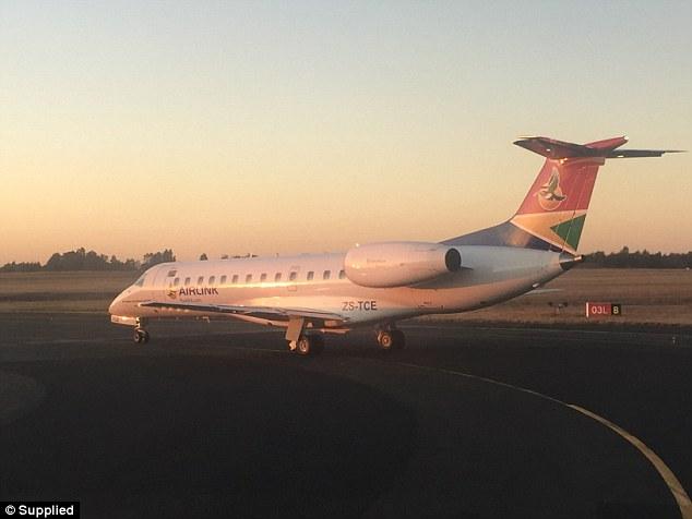 Casal SAA Embraer 145 Airlink