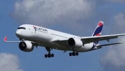 Avião Airbus A350 LATAM