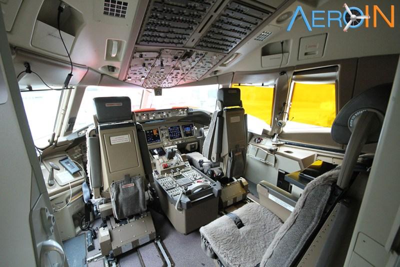 Boeing 777 Cockpit