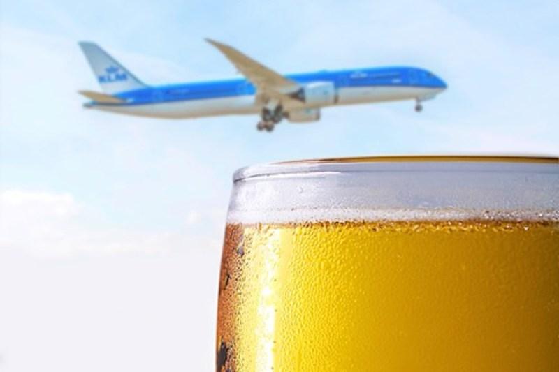 KLM 787 cerveja