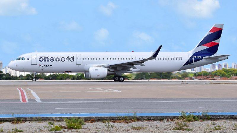 Airbus A321 LATAM oneworld