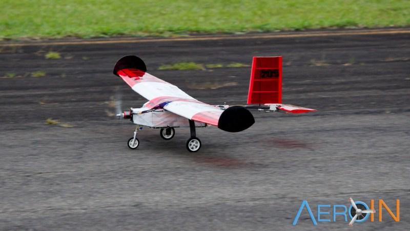 Aeronave da equipe Trem Ki Voa Micro, campeão da classe Mirco.