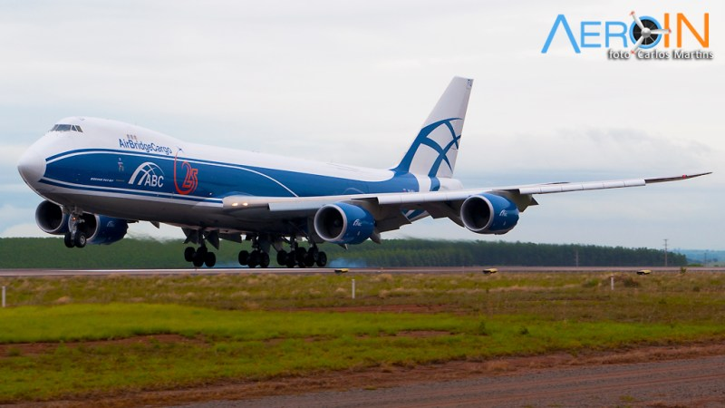 boeing-747-8-air-bridge-cargo-01