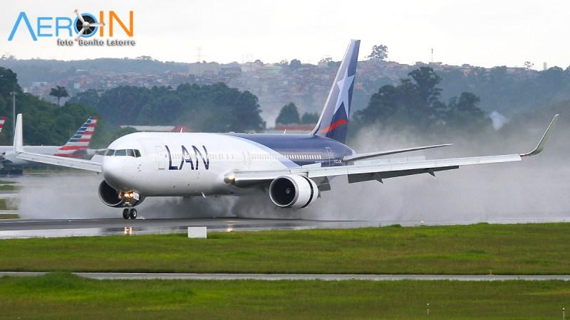 Boeing 767 LAN