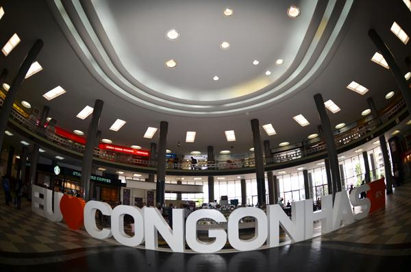 Congonhas e Afonso Pena distribuem livros gratuitamente nesta terça-feira.