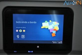 Sistema de entretenimento a bordo português, inglês e espanhol