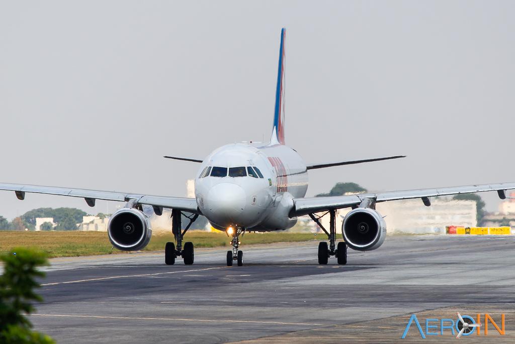 Aviação doméstica registra segunda alta consecutiva em abril.
