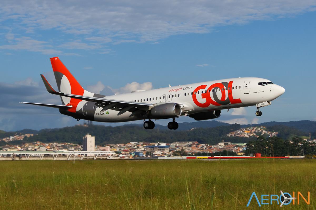 GOL instala painel na Av. Paulista para mostrar a pontualidade dos voos