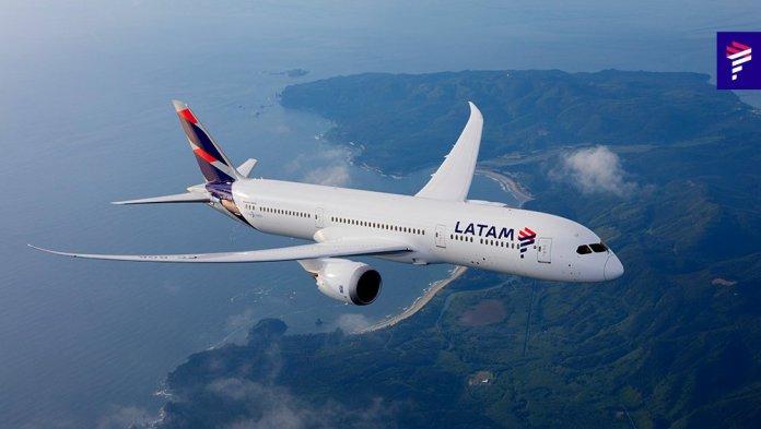 LATAM 787