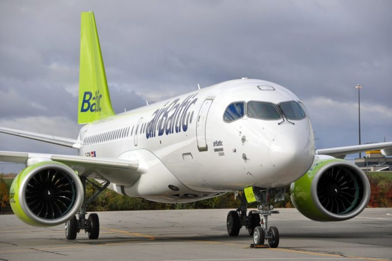 Avião Bombardier CS300 Airbus A220-300 airBaltic