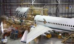 Avião Boeing 737-700BDSF Alaska conversão IAI