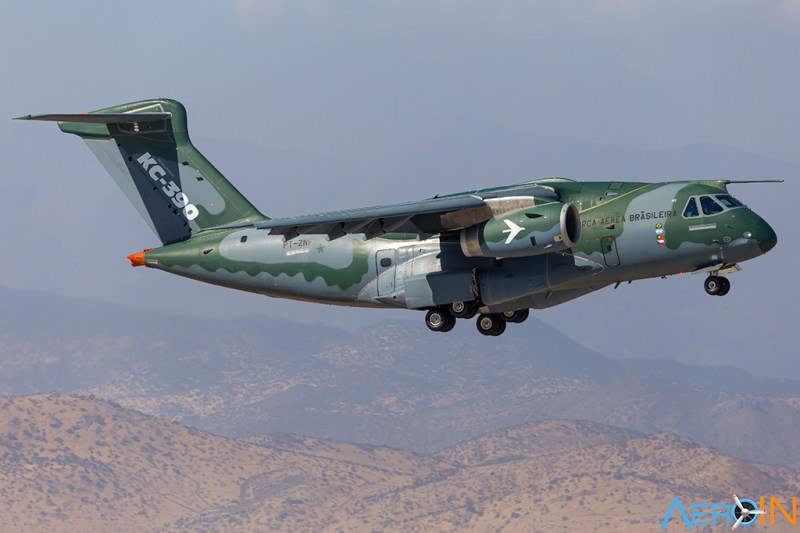 Avião Embraer KC-390