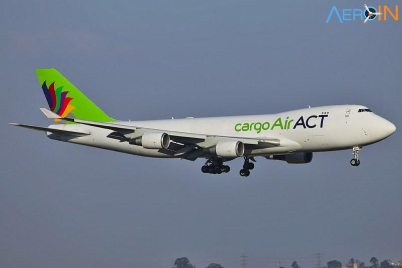 Avião Boeing 747-400 ACT Cargo Turkish Viracopos