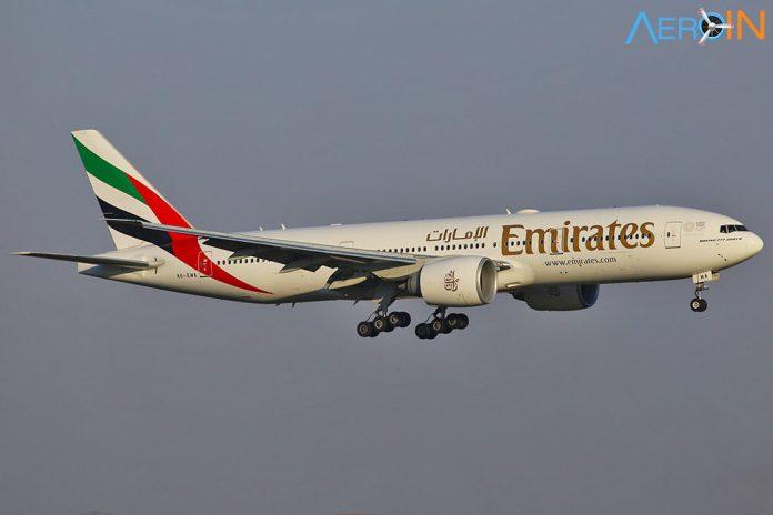 Avião Boeing 777-200LR Emirates