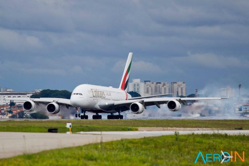 Avião Airbus A380 Emirates