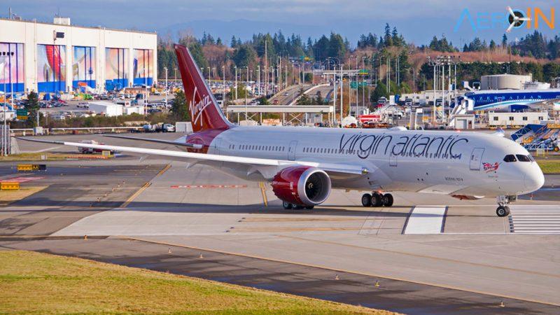 Boeing 787-9 da Virgin taxia para seu primeiro voo na fábrica da Boeing