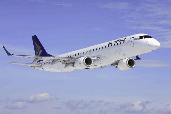 Avião Embraer 190 Air Astana