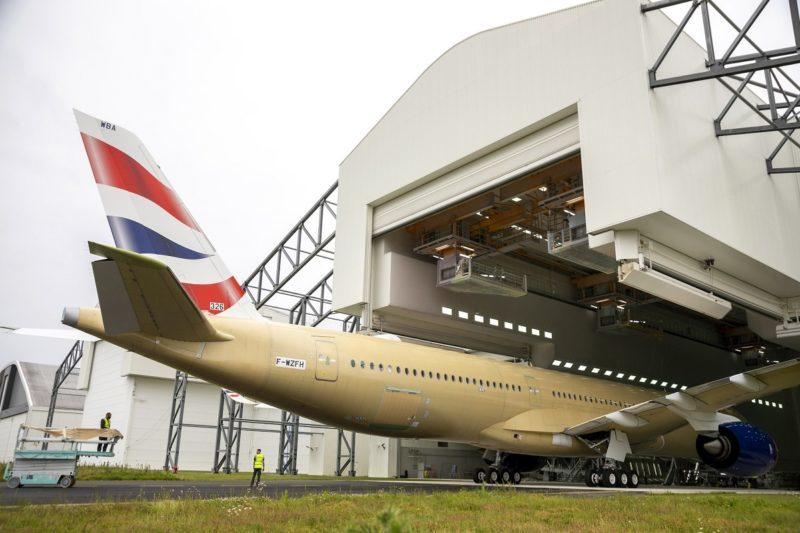 Avião Airbus A350-1000 British Hangar Pintura