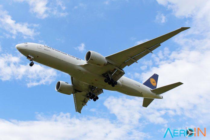 Avião Lufthansa Cargo 777F
