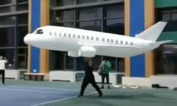 Maior Avião Linha Aérea de Papel do Mundo Wondros