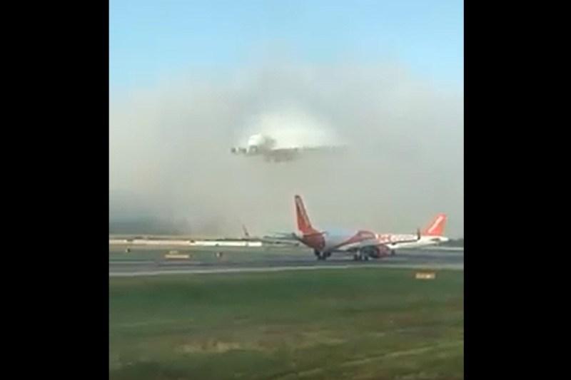 Vídeo A380 aproach fog neblina
