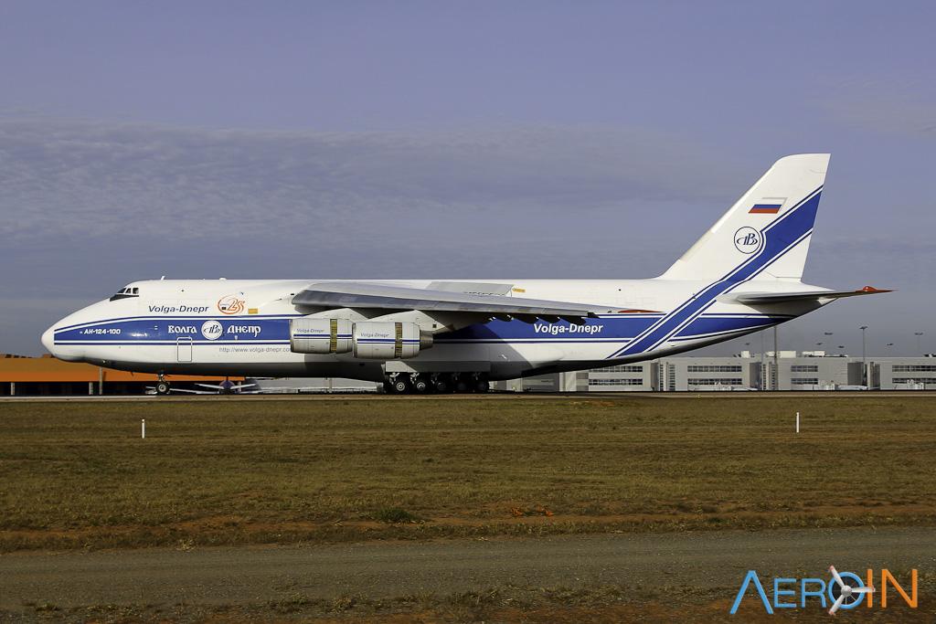Avião Antonov An-124 Volga Viracopos