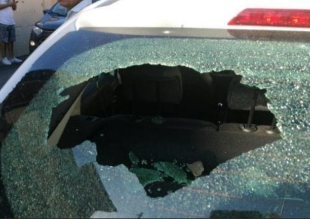Vidro carro quebrado itália 787