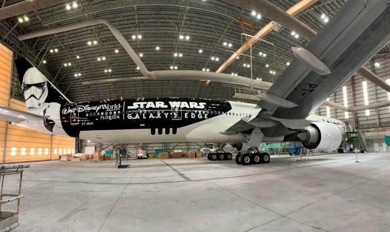 Boeing 777 LATAM Star Wars