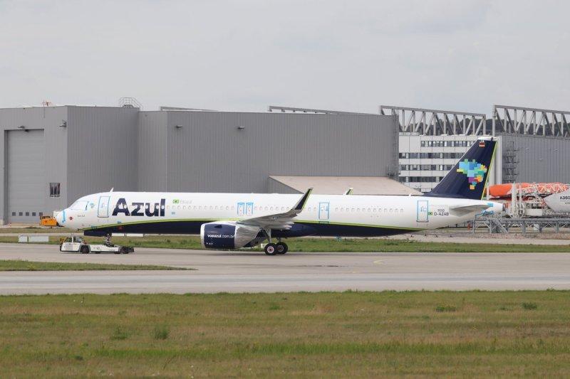 Airbus A321neo da Azul em Hamburgo