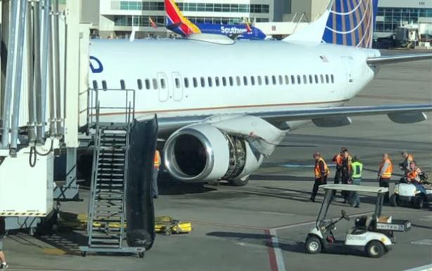 Capota United 737
