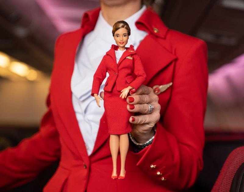Virgin Atlantic Boneca Barbie Comissária