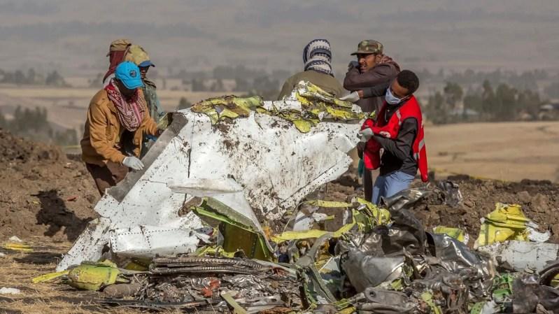 Destroços 737 MAX