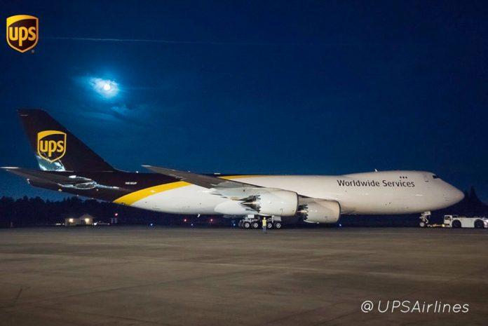 Imagem UPS 747-8F