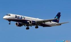 Avião Embraer E195 Azul