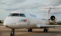 Avião CRJ200 Paranair Voo Latam Brasília