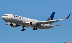 Avião Boeing 767-300 United Airlines