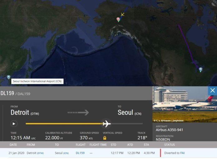 FlightRadar24 Delta A350 Desvio Alaska Motor
