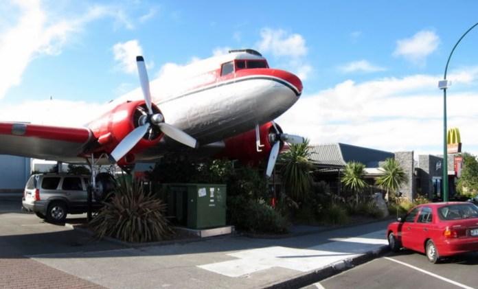 Avião Douglas DC-3 Lanchonete
